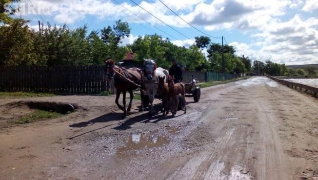 România are 747 de km de autostradă şi peste 10.000 de km de drumuri de pământ