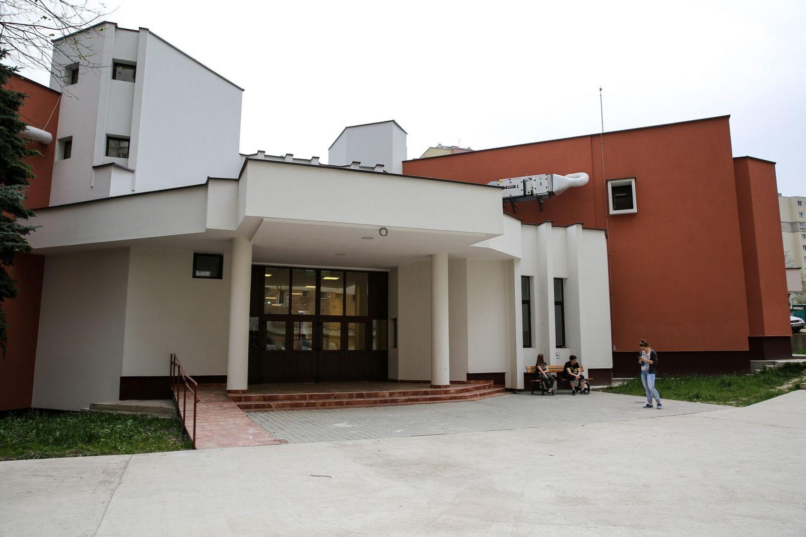 Primăria a reabilitat Cinematograful Dacia, din Mănăștur. Vezi cum arată și cum poate fi închiriat pentru evenimente FOTO