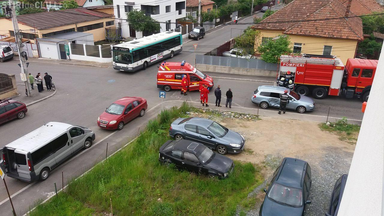 Accident în Mărăști, într-o intersecție periculoasă - FOTO