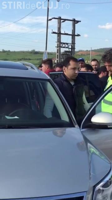 Noi imagini de la atacul din Piața de mașini de la Gilău, filmate la scurt timp - VIDEO