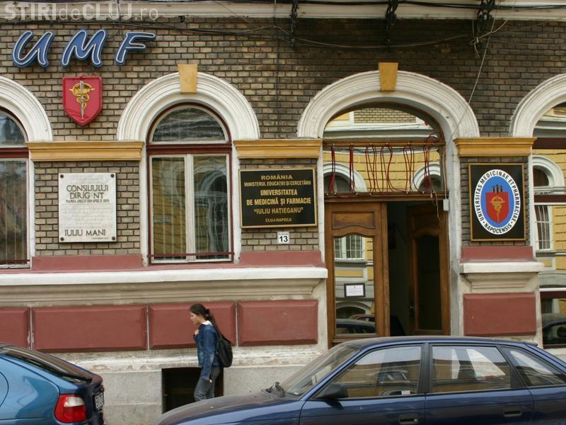 """UMF Cluj obligată să plătească daune morale pentru că a """"stresat"""" o studentă străină"""