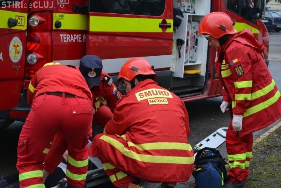 Accident grav la Aghireșu. O femeie fără permis a lovit un bărbat nevinovat
