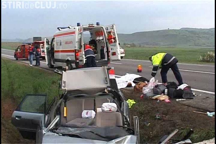 Accident rutier grav, cu NOUĂ răniți, la Căpușu Mare. A fost implicat un microbuz cu pasageri