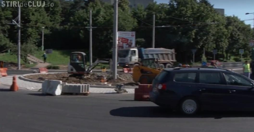 Sensurile giratorii de la Auchan și Iulius Mall au fost puse în funcțiune - VIDEO