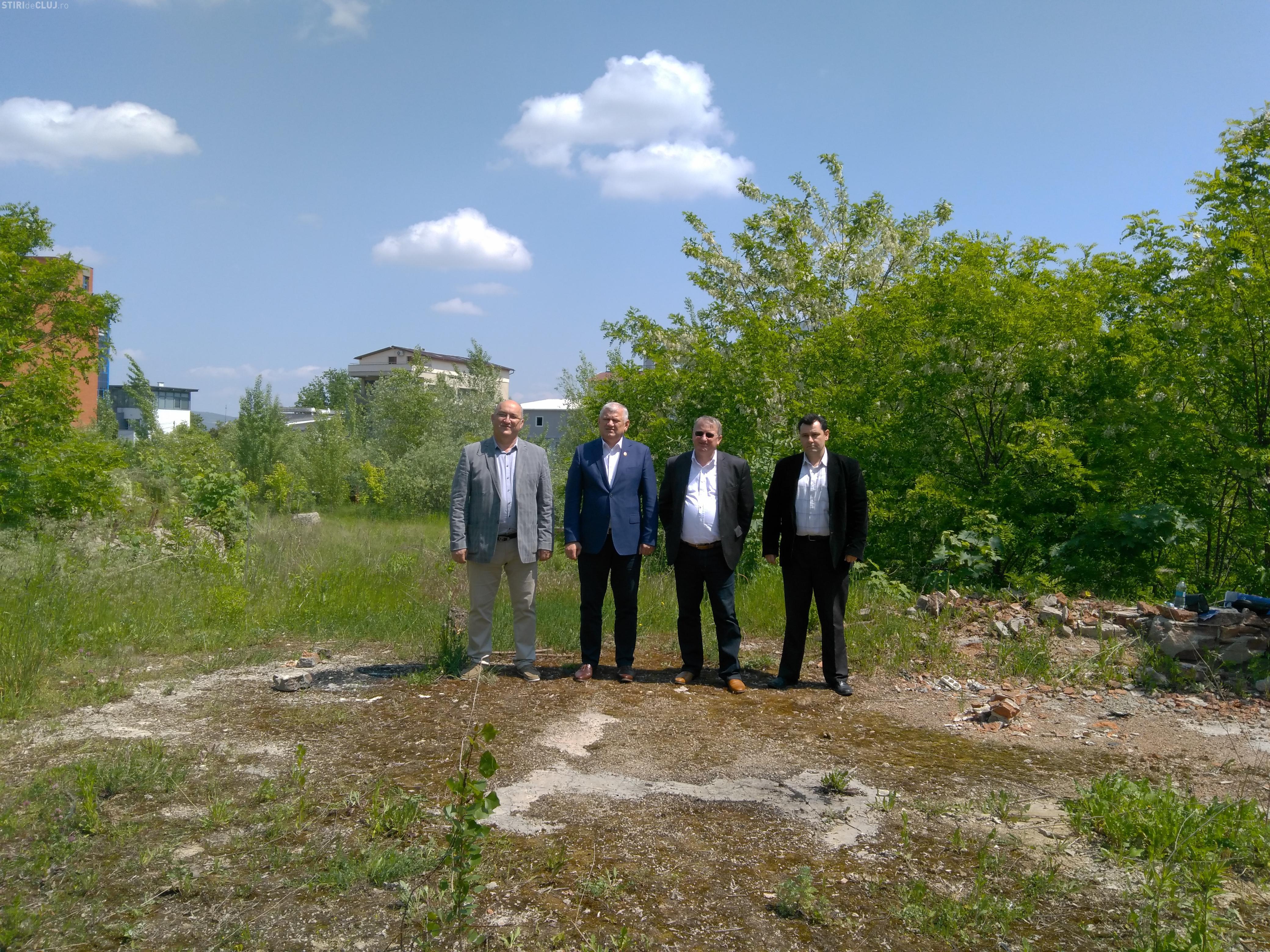 Teren de 7.000 de metri pătrați în centrul Clujului, lăsat în paragină. PSD acuză Consiliul Județean