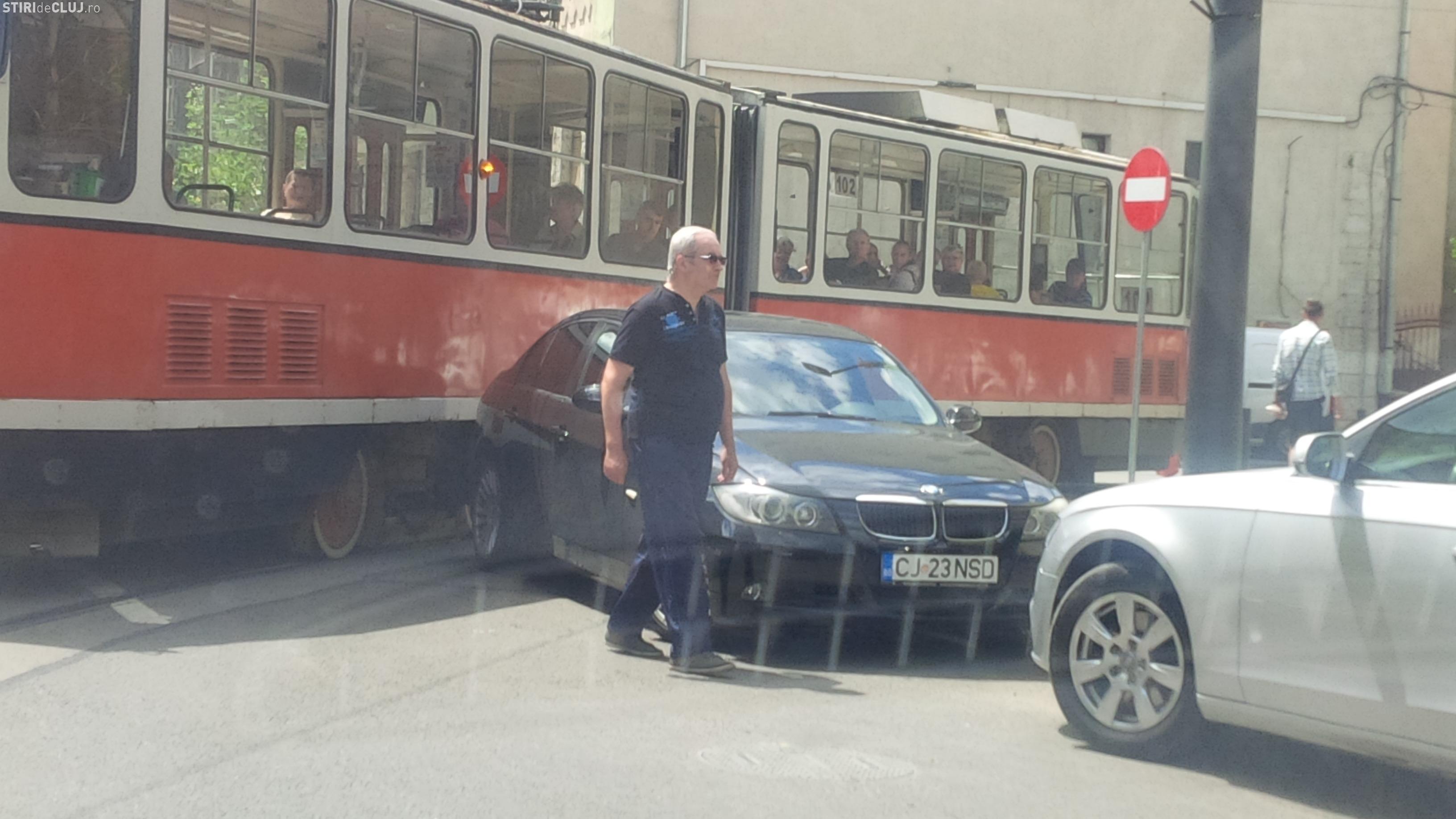 BMW-istul care a blocat circulația tramvaielor în Piața Gării, depistat de polițiștii clujeni