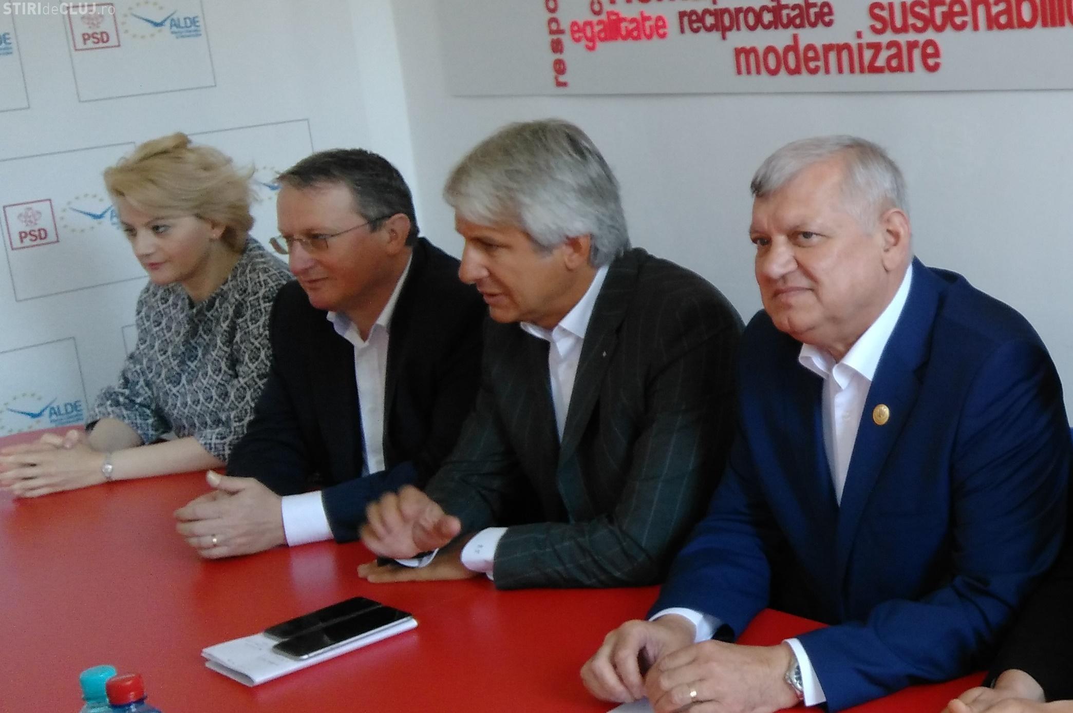 Fostul ministru Eugen Teodorovici, invitat la Știri de Cluj LIVE, alături de candidatul PSD la Consiliul Local, Gabriela Ciot. Așteptăm întrebări