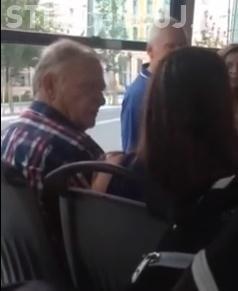 Incident într-un troleibuz din Cluj-Napoca. Tânără agresată pentru că vorbea la telefon - VIDEO