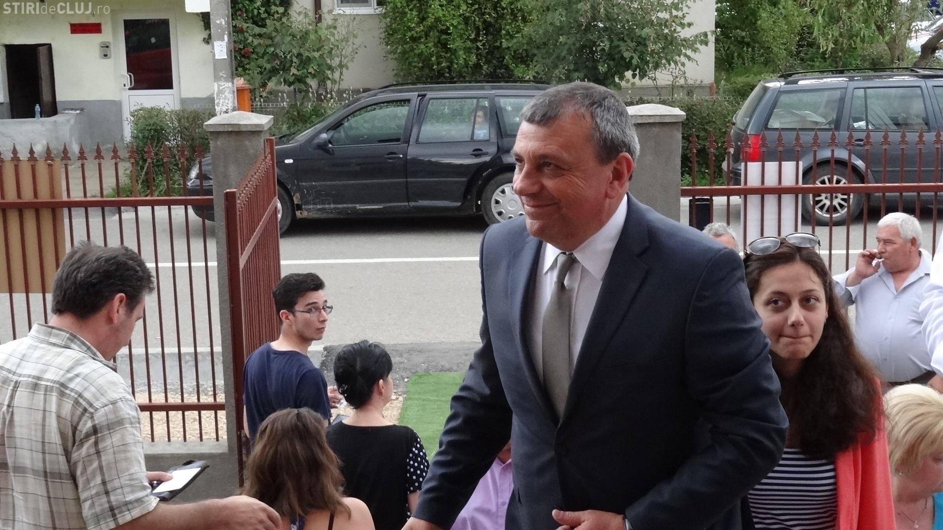 Horia Șulea, primarul Floreștiului, a votat alături de tineri - FOTO
