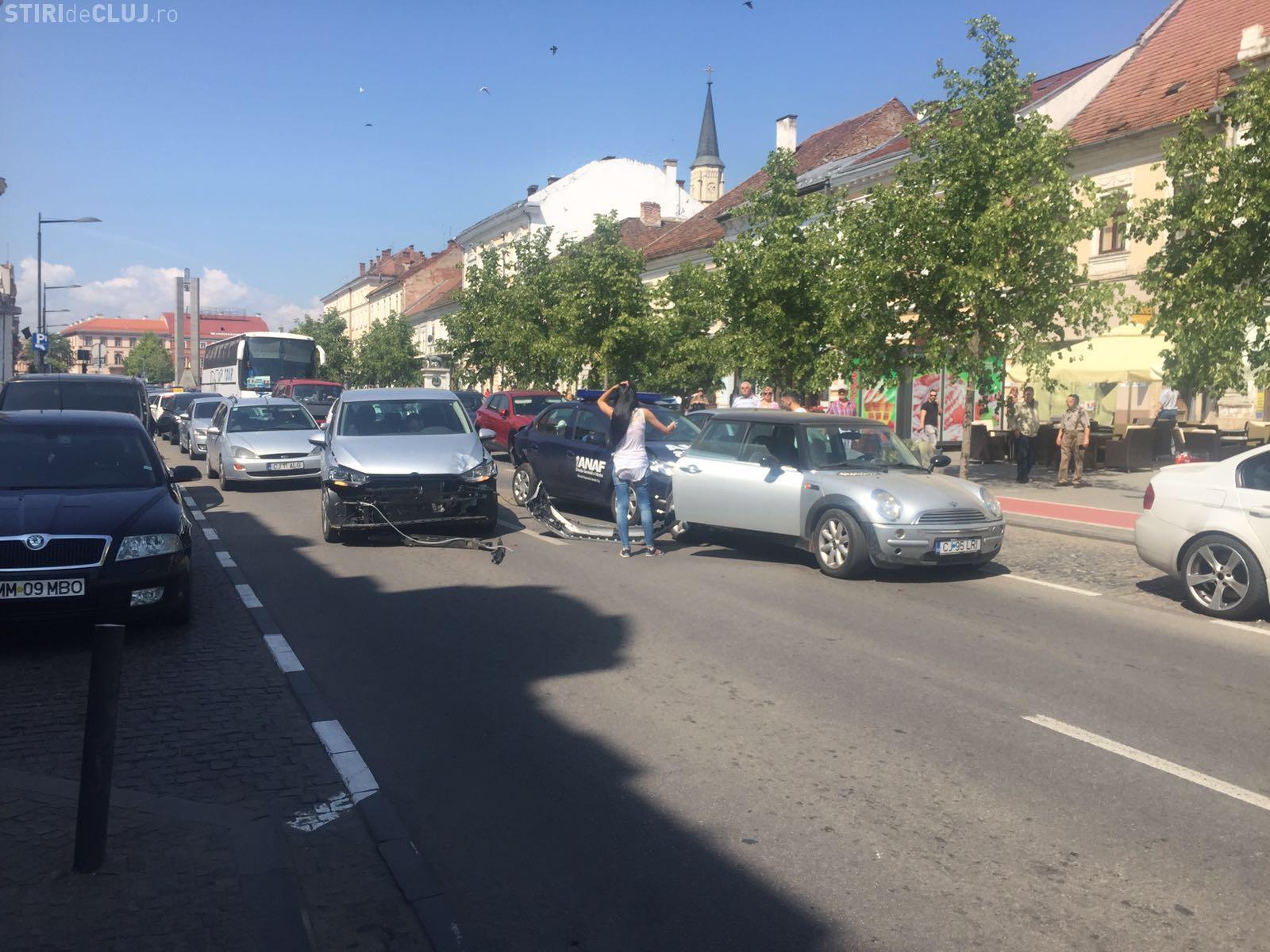 Accident pe Bulevardul Eroilor, în centrul Clujului! ANAF -ul a lovit în PLIN - VIDEO