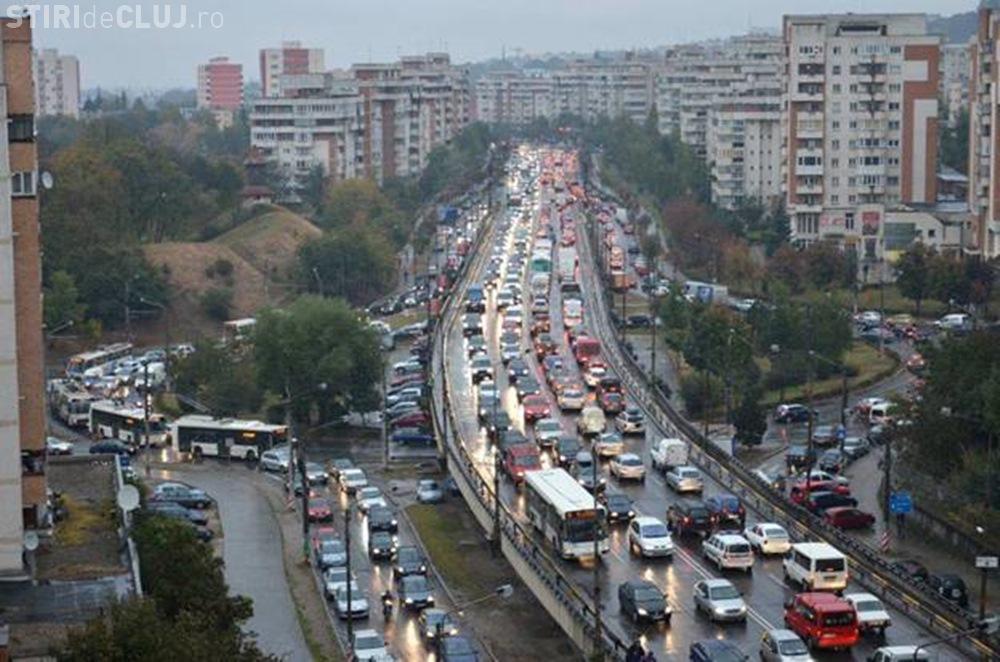 Se cere un sens giratoriu pe Calea Florești