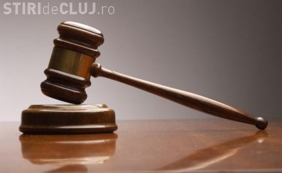 Judecătoarea cu pantofi albaștri. Caz emoționant despre custodia unui copil
