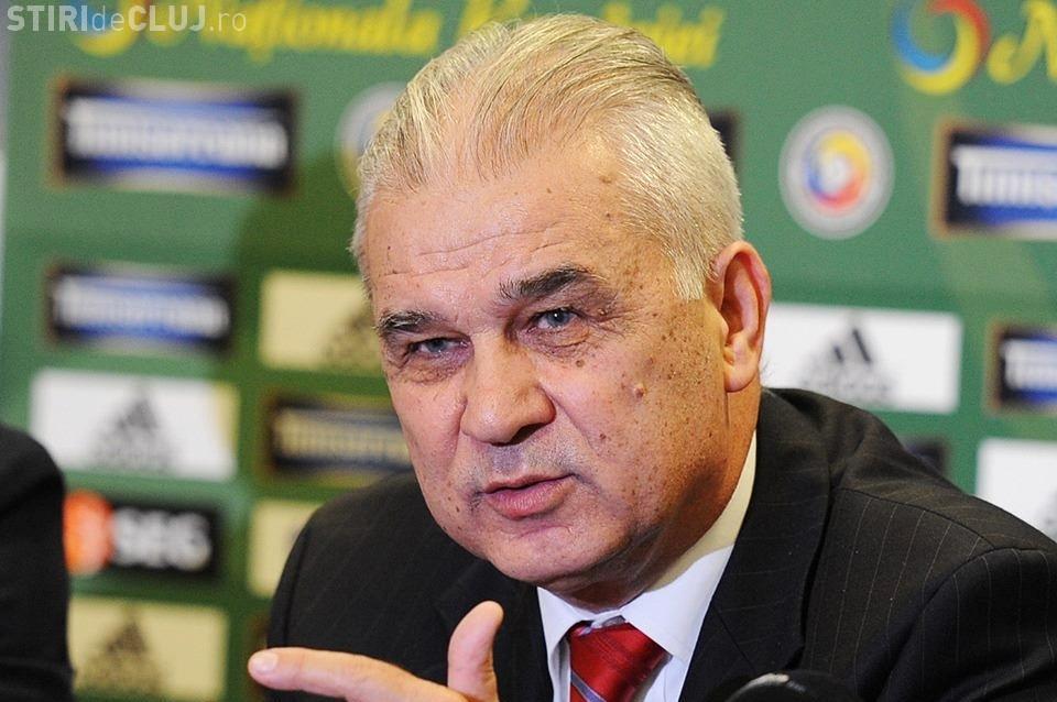 """Fiul lui Iordănescu către """"tricolori"""": Aşteptau să iasă de la EURO, să ajungă prin baruri, disperaţi după alcool şi femei"""