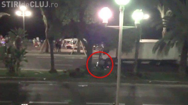 Atentat la Nisa! Un motociclist a încercat EROIC să-l oprească pe șoferul camionului
