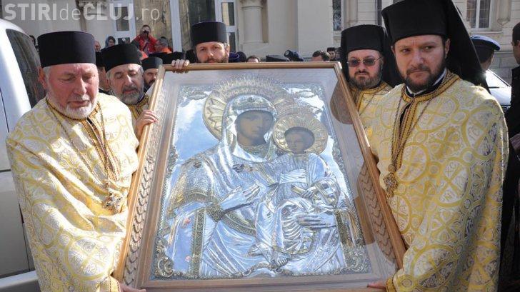E sărbătoare mare, azi, pentru ortodocși. E cruce neagră în calendar