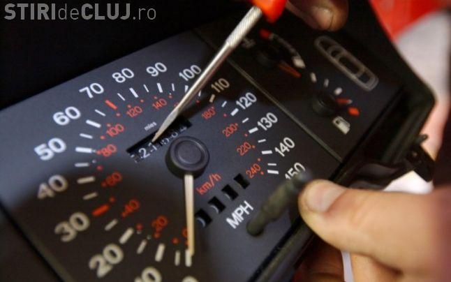 Cum îți dai seama că maşina are kilometrajul modificat. Un samsar a explicat totul