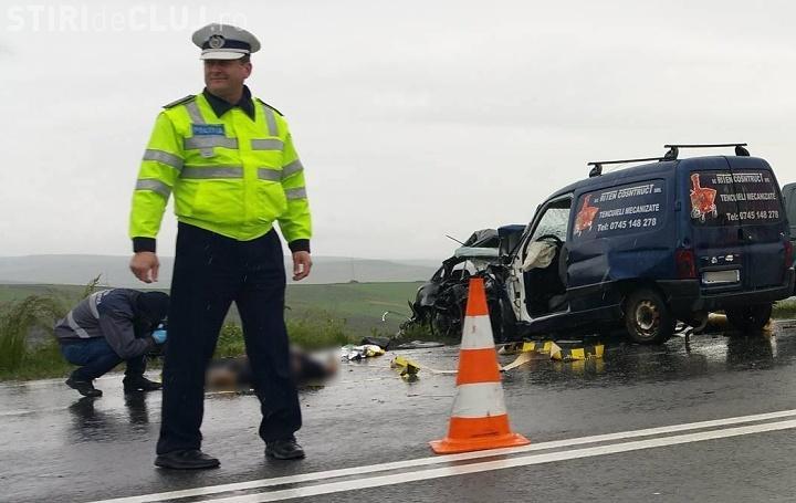 Accident la Tureni, pe fondul ploilor. O mașină a ajuns pe contrasens