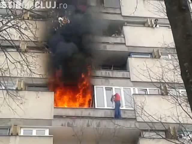 Un clujean și-a dat foc la apartament