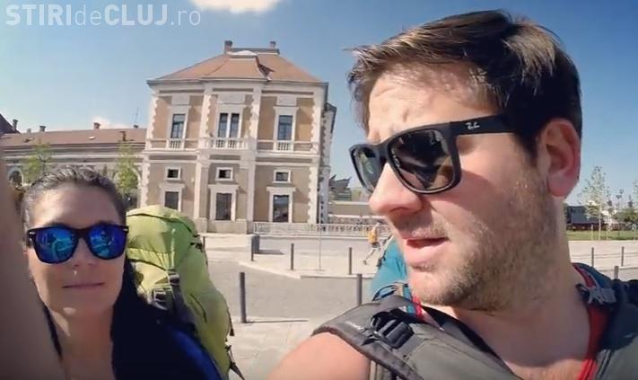 Doi americani în vizită la Cluj-Napoca. Își bat joc de oraș și oameni: MIROSIȚI - VIDEO