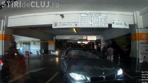Cum a fost pus la respect un șofer cu BMW, în parcare la Iulius Mall Cluj - VIDEO