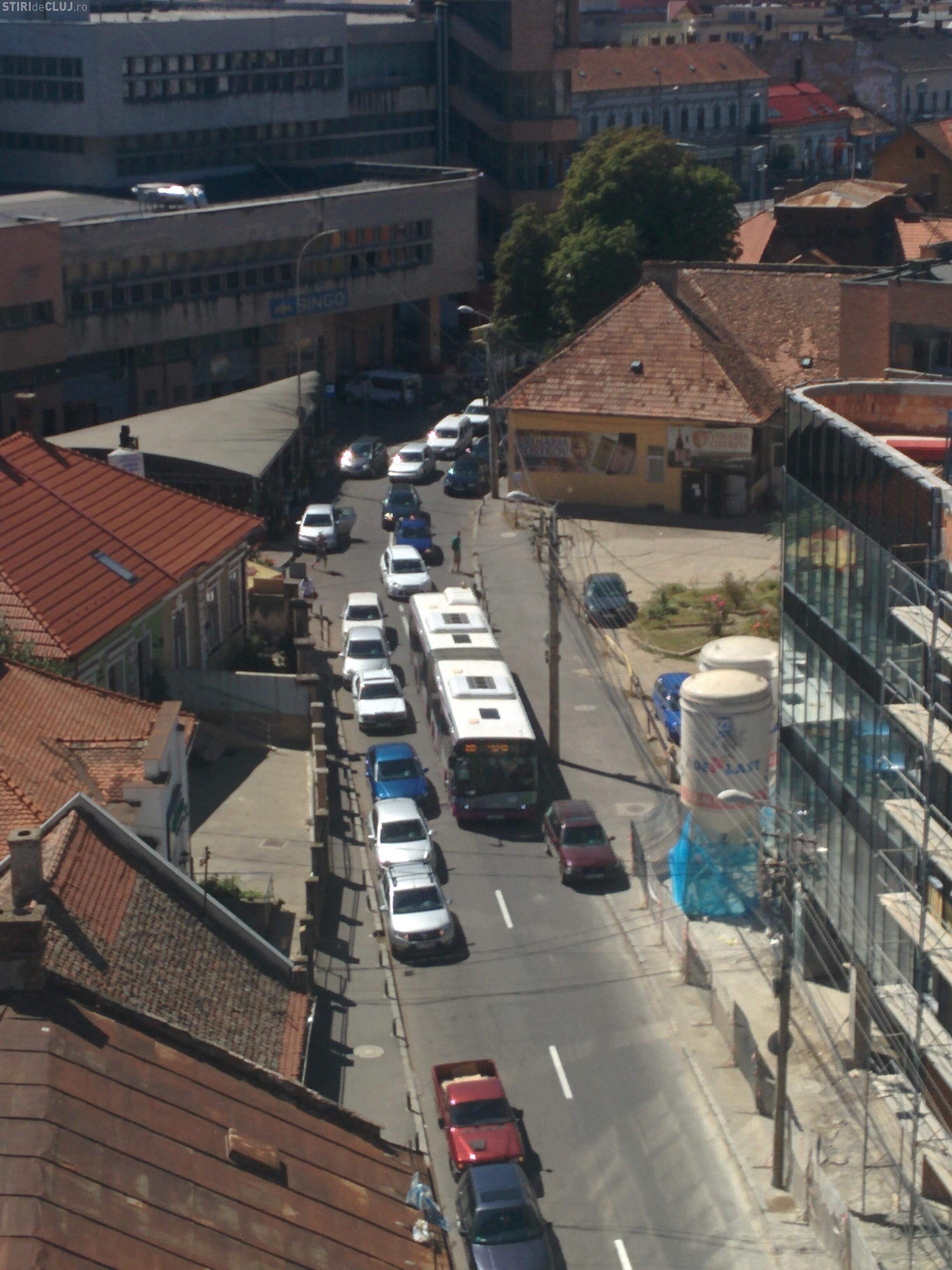 """Cluj: Autobuz blocat din cauza """"miserupismului"""""""