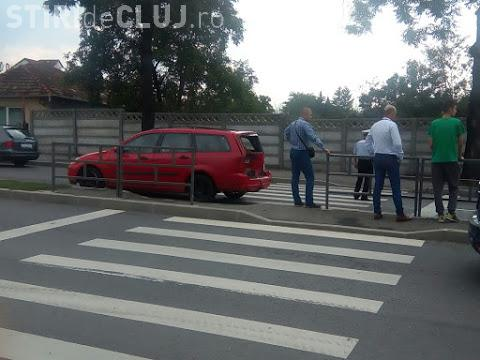 Accident în lanț pe Calea Turzii! Un pieton a fost rănit pe trecere FOTO