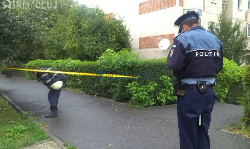Scenă macabră în Mănăștur! Un bătrân a fost găsit spânzurat între blocuri