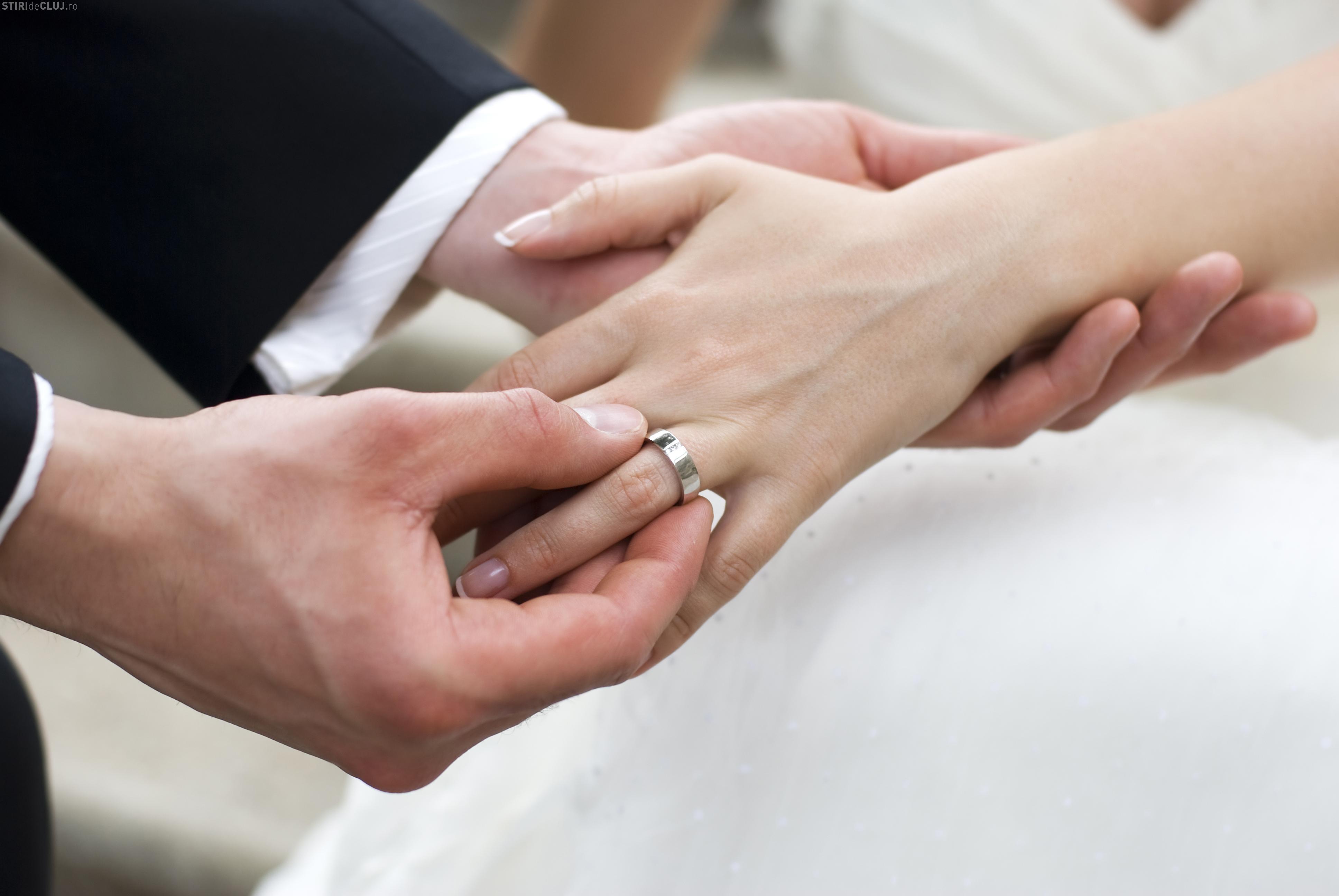 Proiect de lege: 15.000 de lei primă de căsătorie şi pentru naşterea celui de-al treilea copil