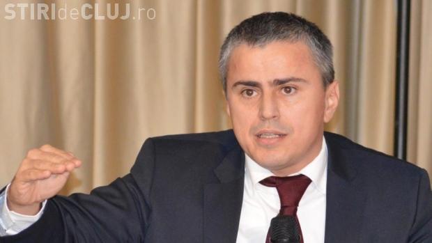 Secretarul de stat de la Finanţe, Gabriel Biriş, care propunea majorarea taxelor salariale, și-a dat DEMISIA
