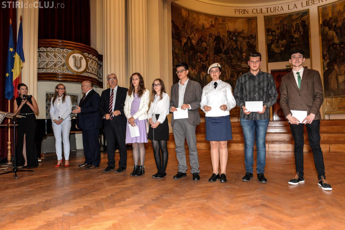 Consiliul Judeţean Cluj a alocat 120.000 de lei pentru premierea celor mai buni elevi
