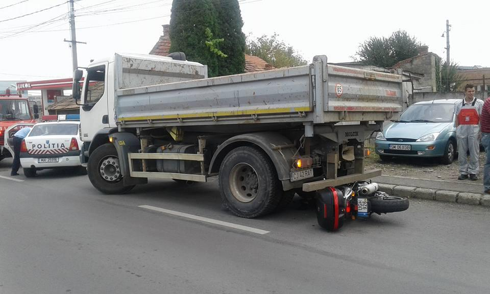 Accident pe strada Sobarilor. Un motociclist a fost rănit grav - FOTO