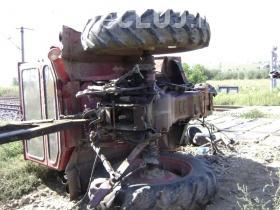 Un clujean și-a pierdut viața după ce s-a răsturnat cu tractorul. A fost aruncat din utilaj