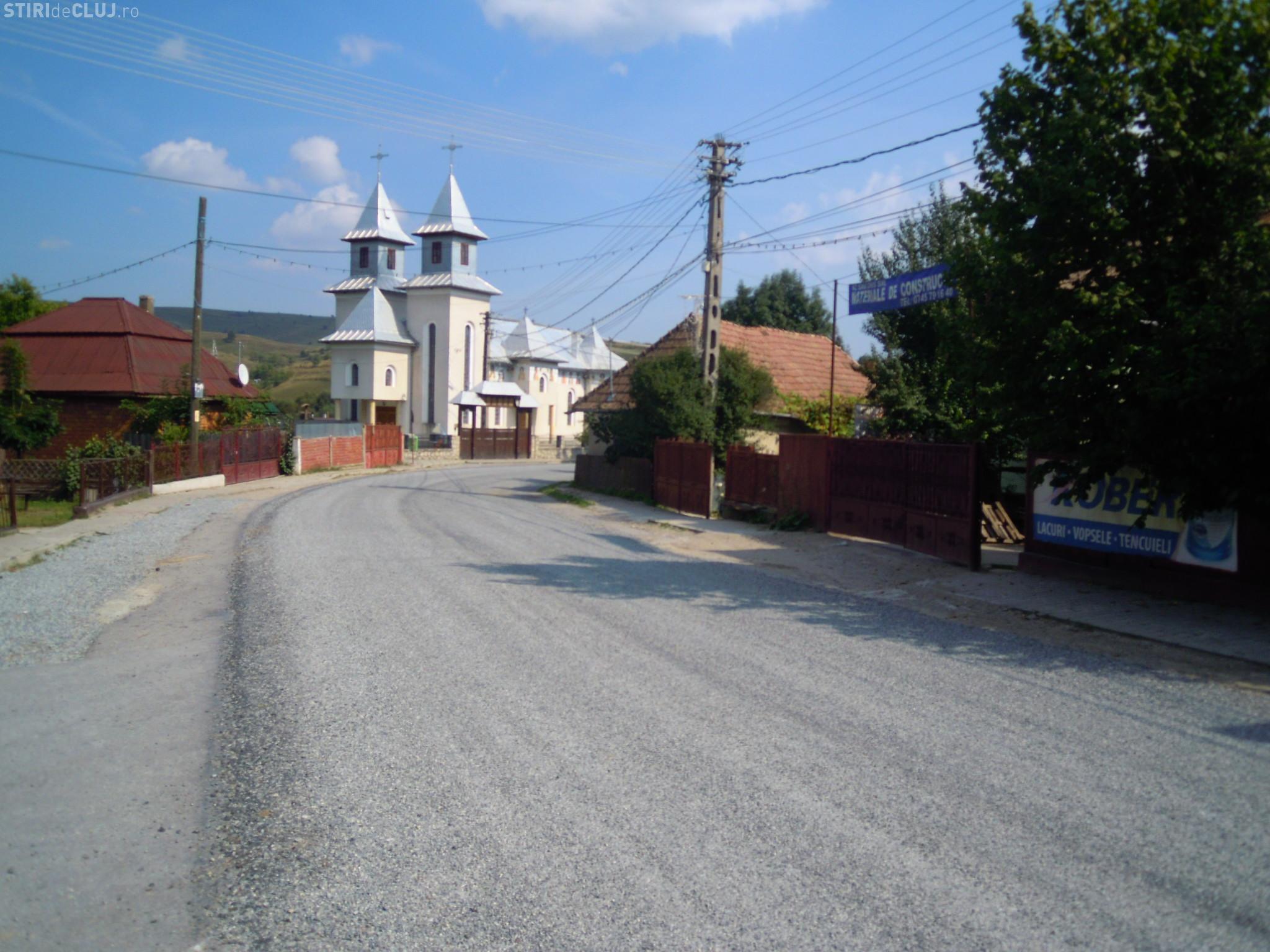 Se trece la asfaltarea drumului judeţean DJ 107R Băişoara - staţiunea Muntele Băişorii
