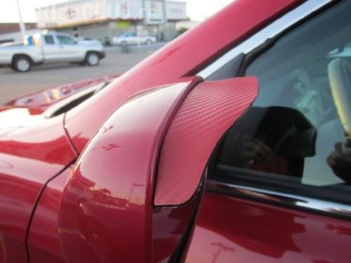 Cluj-Napoca: I-a vopsit oglinzile la mașină și i-a gazat ușile din cauza unei parcări