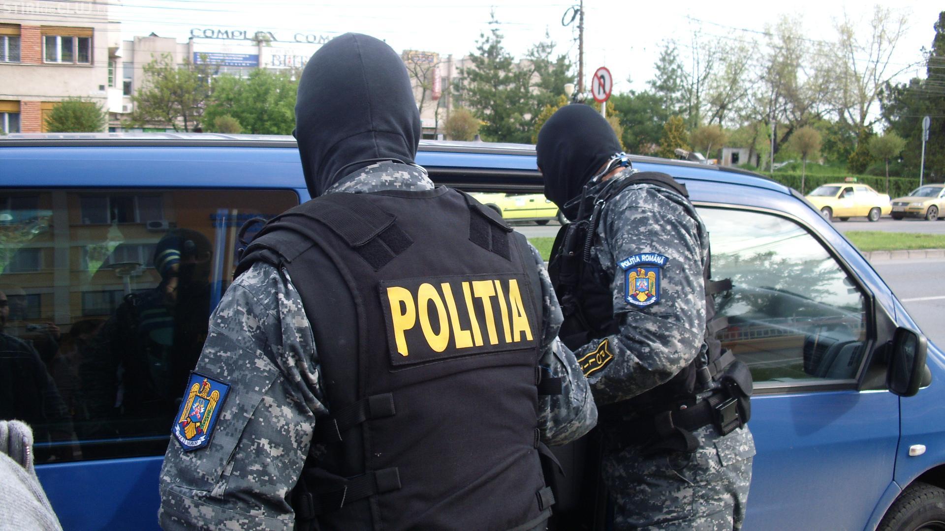 Percheziții la Cluj, la o firmă care încasa on-line amenzile de circulație și pentru lipsa rovinietei