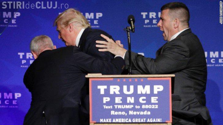 """Donald Trump scos de pe scenă de agenți ai Serviciilor Secrete. Un bărbat a strigat """"Armă!"""""""