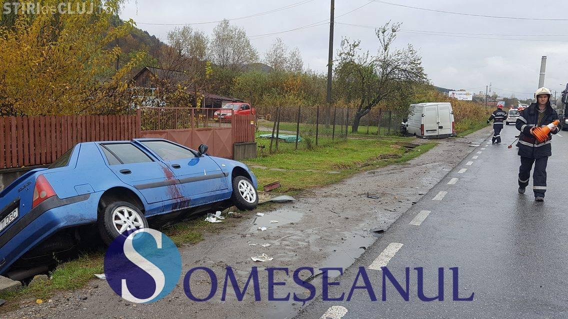 Accident pe un drum din Cluj. O persoană a ajuns la spital VIDEO