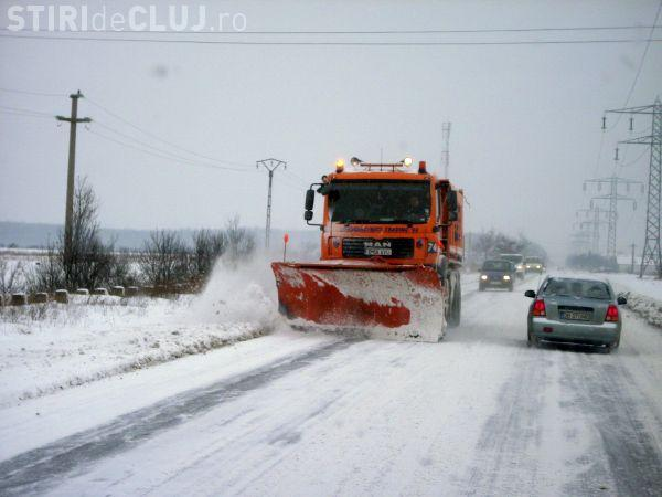 În Cluj nu mai sunt drumuri județene blocate de zăpadă