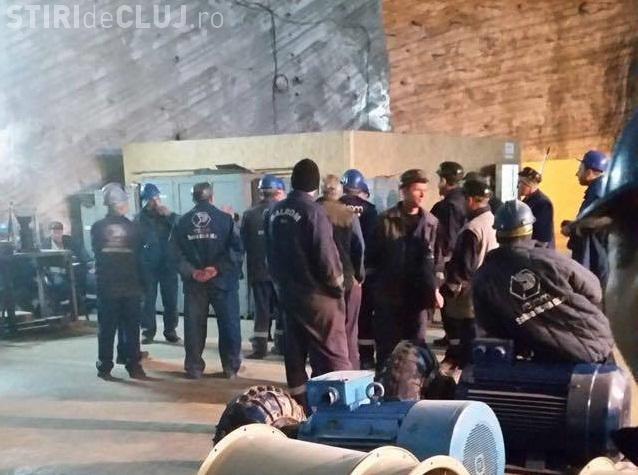 Minerii de la Salina Ocna Dej s-au blocat de mai bine de 24 de ore în subteran. Nu ies până nu li se îndeplinesc revendicările