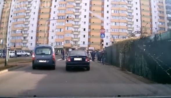 Cluj-Napoca - A vrut să fie mai șmecher la stop, dar s-a fraierit singur - VIDEO