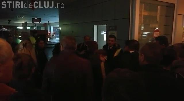 """Cluj - Wizz Air  a """"rătăcit"""" de 2 ori bagajele a zeci de  turiști care au fost în Dubai și nu s-a obosit să le trimită ulterior VIDEO"""
