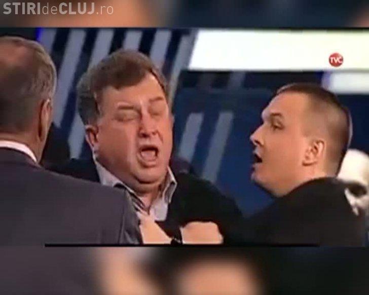 Jurnalist bătut la un talk show din Rusia pentru că a lăudat România - VIDEO