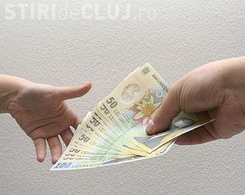 Cabinetul Cioloș a înghețat salariul minim la 1.250 lei