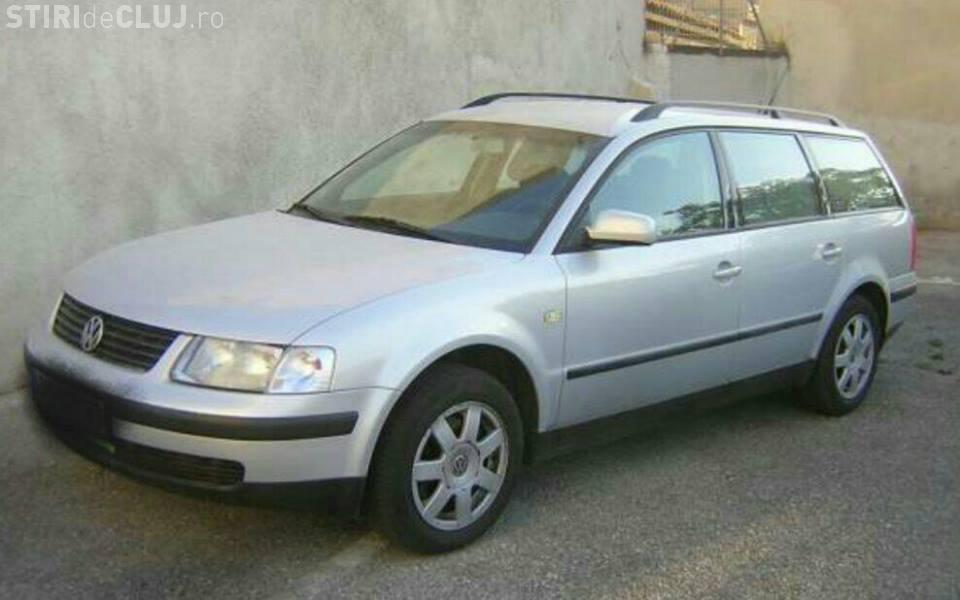 În Cluj-Napoca, șoferul unui Passat dă țepe, motivând nu mai are bani de benzină