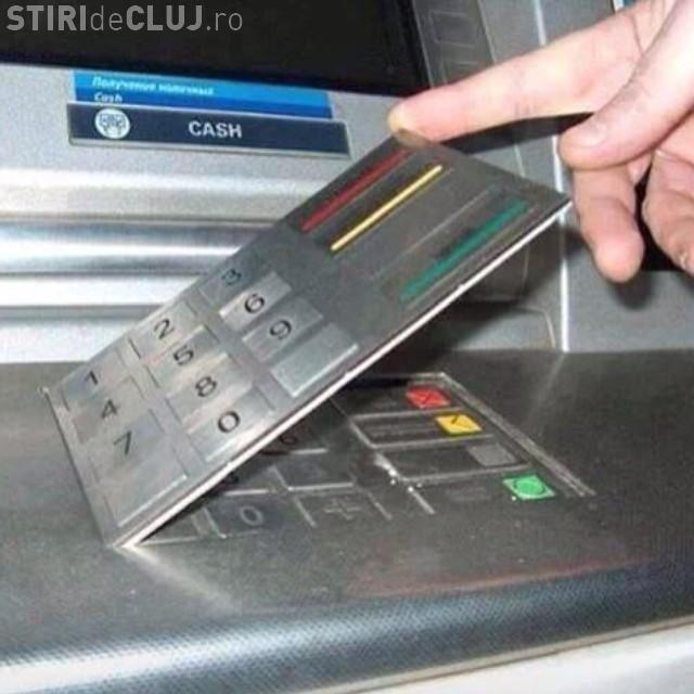 Așa poți recunoaște un bancomant care are un dispozitiv de skimming