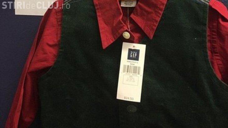 Un client a returnat la magazin o cămașă cumpărată acum 17 ani