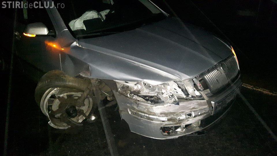 """Și-a distrus mașina, pe centura Apahida, din cauza unui """"kamikaze"""" în depășire - FOTO"""