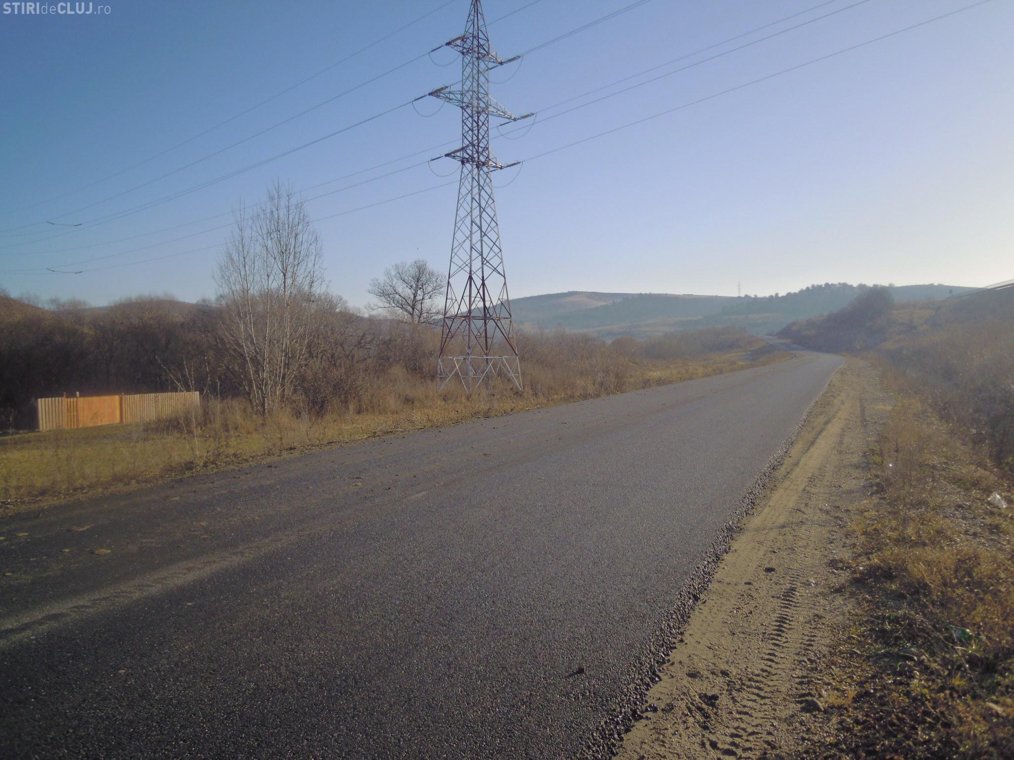 Tronson de drum asfaltat pe DJ 103V Vlaha - Vălişoara