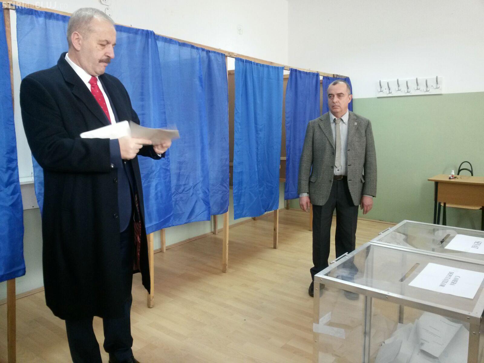 Vicepremierul Vasile Dîncu a votat la Cuj FOTO/VIDEO