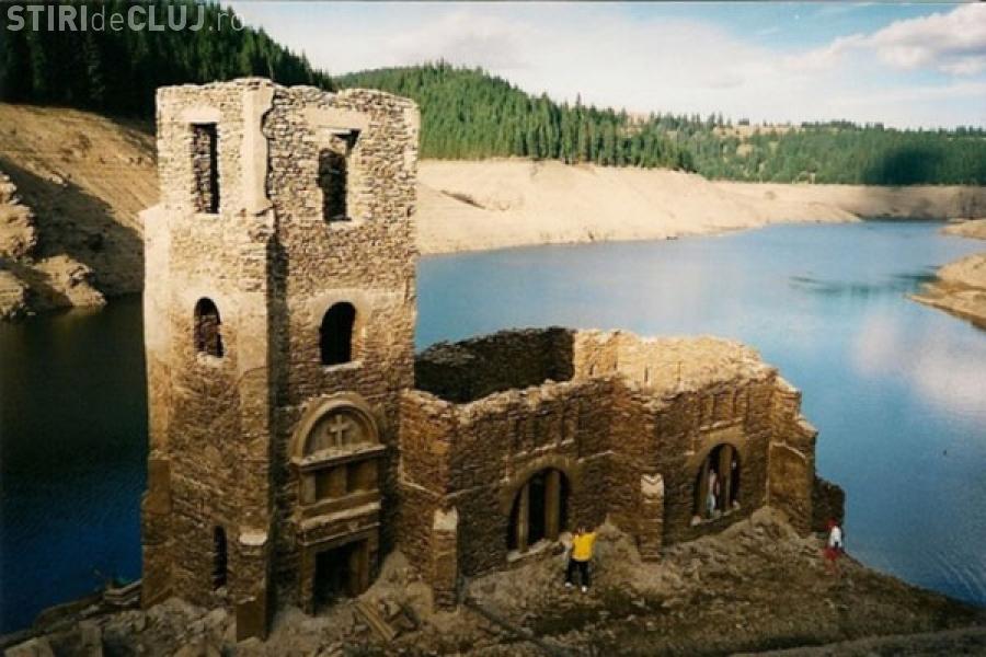 Povestea bisericii de sub apele lacului Beliș. Localnicii nu vor uita niciodată ce s-a întâmplat